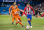 Angel Correa (r) of Atletico de Madrid battles for the ball with Gonzalo Escalante of SD Eibar during their Copa del Rey 2016-17 Quarter-final match between Atletico de Madrid and SD Eibar at the Vicente Calderón Stadium on 19 January 2017 in Madrid, Spain. Photo by Diego Gonzalez Souto / Power Sport Images