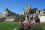 Great Britain, Bath and NE Somerset, Bath: Parade Gardens and Bath Abbey, built between 1499 and 1616