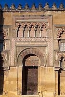 Spanien, Andalusien, maurische Fassade der Mezquita  in Cordoba