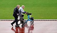 Nederland - Amsterdam - September 2019. De Nationale Rollatorloop in het Olympisch Stadion vond dit jaar plaats in de stromende regen. De Rollatorloop is speciaal in het leven geroepen om samen in beweging te blijven.   Foto mag niet in negatieve context worden gepubliceerd. Foto Berlinda van Dam / Hollandse Hoogte