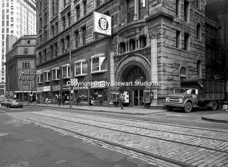 Pittsburgh PA:  Sixth Avenue looking west toward Wood Street.