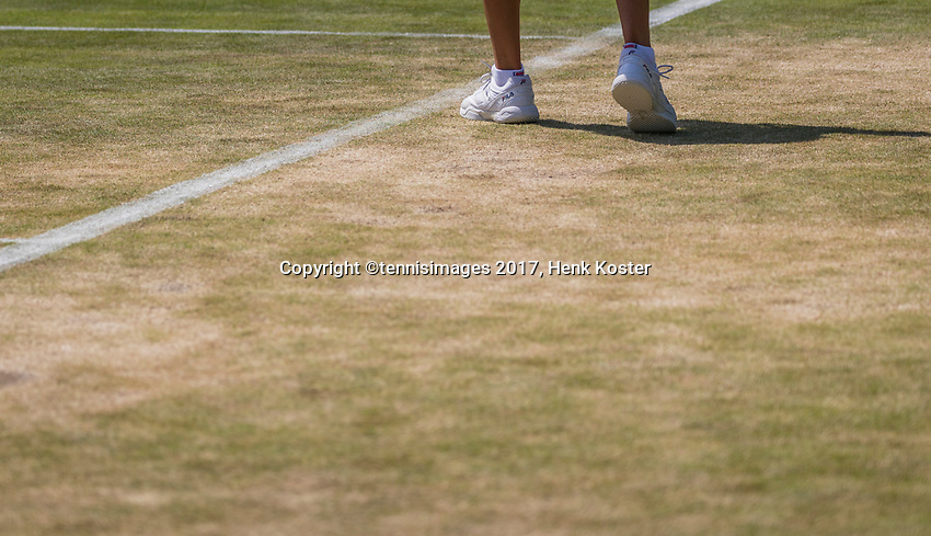 London, England, 7 th July, 2017, Tennis,  Wimbledon, Terrible state of court 7<br /> Photo: Henk Koster/tennisimages.com