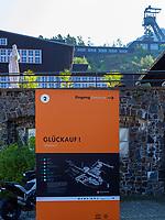 Eingang im Werkshof vor Museumshaus Aufbereitung und Förderturm, Rammelsberg, Museum und Besucherbergwerk, Goslar, Niedersachsen, Deutschland, Europa, UNESCO-Weltkulturerbe<br /> Yard Museums House and headframe, Rammelsberg - Museum and show mine, Goslar, Lower Saxony,, Germany, Europe, UNESCO Heritage Site