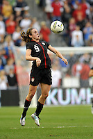 USWNT midfielder Heather O'Reilly (9) in action.