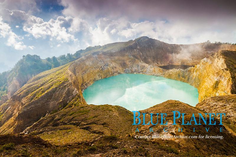 crater lake, Mount Kelimutu, Kelimutu National Park, Flores, East Nusa Tenggara, Lesser Sunda Islands, Indonesia