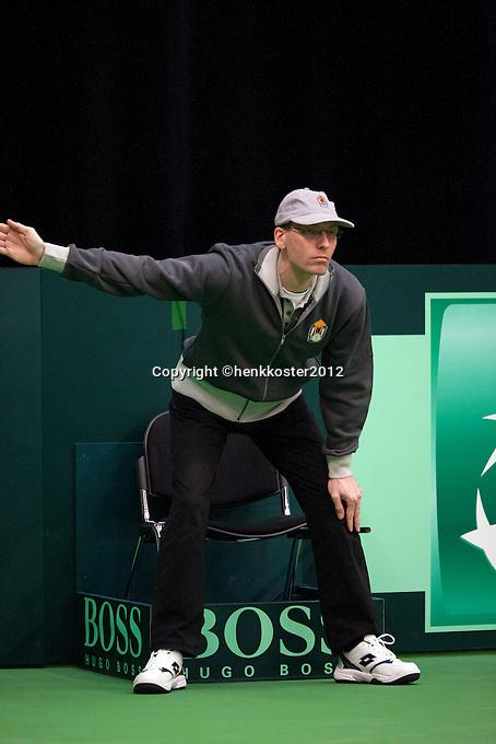 10-02-12, Netherlands,Tennis, Den Bosch, Daviscup Netherlands-Finland, umpire