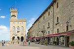 Republic of San Marino, San Marino City: Palazzo Pubblico, seat of the national Government in the Piazza della Libertà | Republik San Marino, San Marino Stadt: Regierungspalast auf der Piazza della Libertà