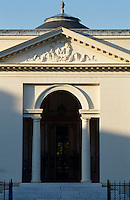 Architect Jean-Francois Chalgrin adopted Palladian themes throughout the design of this Pavilion