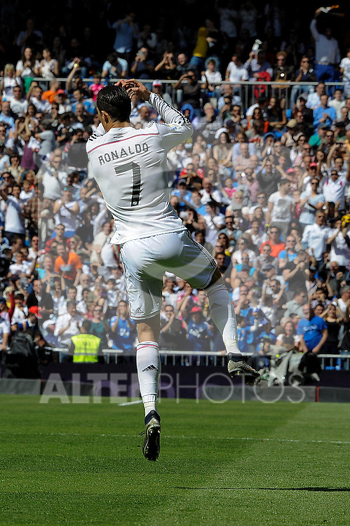 Real Madrid´s Cristiano Ronaldo celebrates a goal during 2014-15 La Liga match between Real Madrid and Eibar at Santiago Bernabeu stadium in Madrid, Spain. April 11, 2015. (ALTERPHOTOS/Luis Fernandez)