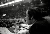 Assemblee syndicale des Cols Blanc de la Ville de Montreal, le 14 mai 1974<br /> <br /> PHOTO : Agence Quebec Presse