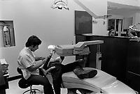 ARCHIVE -<br /> General Hospital - dentistes,<br /> Mars 1973<br /> <br /> Photo : Agence Quebec Presse  - Alain Renaud