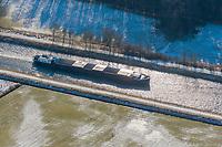Binnenschiffe im Elbe Lübeck Kanal im Winter: EUROPA, DEUTSCHLAND, SCHLESWIG- HOLSTEIN,(EUROPE, GERMANY), 17.02.2009: Binnenschiffe im Elbe Lübeck Kanal im Winter