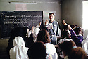 Irak 1992   Cours d'Anglais dans une ecole d'Halabja   Iraq 1992  English lecture in a school of Halabja