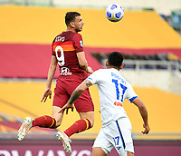 Football, Serie A: AS Roma - Atalanta Olympic stadium, Rome, April 22, 2021. <br /> Roma's Edin Dzeko (l) in action with Atalanta's Cristian Romero (l) during the Italian Serie A football match between AS Roma and Atalanta at Rome's Olympic stadium, Rome, on April 22, 2021.  <br /> UPDATE IMAGES PRESS/Isabella Bonotto