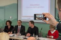 """Pressekonferenz des Regierenden Buergermeisters, Michael Mueller (SPD) und der Buergermeisterin Ramona Pop (Buendnis 90/Die Gruenen) sowie dem Buergermeister Dr. Klaus Lederer (Linkspartei) zum Thema """"Zweieinhalb Jahre Rot-Rot-Gruen"""".<br /> Im Bild: <br /> 5.3.2019, Berlin<br /> Copyright: Christian-Ditsch.de<br /> [Inhaltsveraendernde Manipulation des Fotos nur nach ausdruecklicher Genehmigung des Fotografen. Vereinbarungen ueber Abtretung von Persoenlichkeitsrechten/Model Release der abgebildeten Person/Personen liegen nicht vor. NO MODEL RELEASE! Nur fuer Redaktionelle Zwecke. Don't publish without copyright Christian-Ditsch.de, Veroeffentlichung nur mit Fotografennennung, sowie gegen Honorar, MwSt. und Beleg. Konto: I N G - D i B a, IBAN DE58500105175400192269, BIC INGDDEFFXXX, Kontakt: post@christian-ditsch.de<br /> Bei der Bearbeitung der Dateiinformationen darf die Urheberkennzeichnung in den EXIF- und  IPTC-Daten nicht entfernt werden, diese sind in digitalen Medien nach §95c UrhG rechtlich geschuetzt. Der Urhebervermerk wird gemaess §13 UrhG verlangt.]"""