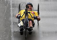 BOGOTA -COLOMBIA, 12-ABRIL-2015. Carrera atletica  11K ,Presta Tu Pierna , Corre Contra Las Minas . / 11K track meet, pay your leg, Runs Against Mines . Photo / VizzorImage / Felipe Caicedo  / Staff