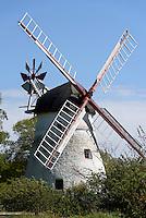 Windmühle Kirkemølle bei der Peders Kirke auf der Insel Bornholm, Dänemark, Europa<br /> winmill Kirkemølle near Peders Kirke, Isle of Bornholm Denmark