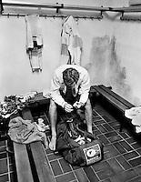 1986, Hilversum, Dutch Open, Melkhuisje, Het verlies in de finale valt zeer zwaar voor Jacob Hlasek die treurt in de kleedkamer