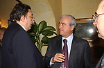 """ANTONIO MARTINO CON GIANNI DE MICHELIS<br /> 75° COMPLEANNO DI LINO JANNUZZI - """"DA FORTUNATO AL PANTHEON"""" ROMA 2003"""