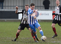 Club Roeselare - WS Oudenburg : duel tussen Naigell Vanfleteren (links) en Mathias Defer (r) <br /> Foto VDB / Bart Vandenbroucke