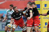 Will Fraser of Saracens celebrates scoring a try with team matesduring the Aviva Premiership semi final match between Saracens and Leicester Tigers at Allianz Park on Saturday 21st May 2016 (Photo: Rob Munro/Stewart Communications)