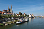 Germany, Bavaria, Upper Palatinate, Regensburg at river Danube: Old Town with Stone Bridge, Cathedral St. Peter and National Maritime Museum