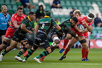 29th September 2020; Franklin Gardens, Northampton, East Midlands, England; Premiership Rugby Union, Northampton Saints versus Sale Sharks; Jono Ross of Sale Sharks is tackled by Courtney Lawes of Northampton Saints