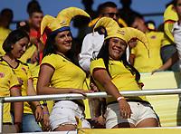 BARRANQUILLA - COLOMBIA -5-10-2017: Hinchas de la selección Colombia de fútbol alientan a su equipo antes del encuentro contra el equipo de fútbol del Paraguay   partido de la fecha 17 para la clasificación sudamericana a la Copa Mundial de la FIFA Rusia 2018 jugado en el estadio Metropolitano Roberto Meléndez en Barranquilla. /  Fans of Colombia cheer their team before match agaisnt of Paraguay match of the date 17 for the qualifier to FIFA World Cup Russia 2018 played at Metropolitan stadium Roberto Melendez in Barranquilla. Photo: Vizzorimage / Felipe Caicedo / Staff