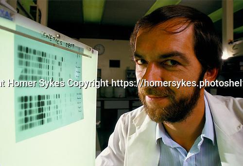 Professor Sir Alec Jeffreys  Leicester University discovered how to make a  genetic fingerprint UK 1992, 1990s.
