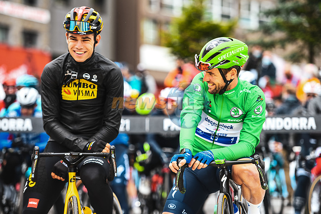 Wout Van Aert (BEL) Jumbo-Visma and Green Jersey Mark Cavendish (GBR) Deceuninck-Quick Step line up for the start of Stage 16 of the 2021 Tour de France, running 169km from Pas de la Case to Saint-Gaudens, France. 13th July 2021.  <br /> Picture: A.S.O./Charly Lopez | Cyclefile<br /> <br /> All photos usage must carry mandatory copyright credit (© Cyclefile | A.S.O./Charly Lopez)