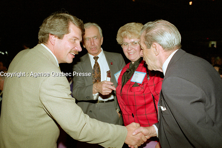 Montreal (qc) CANADA - file Photo - 1992 - <br /> Union des Municipalites du Quebec convention in April - Jean Dore, Mayor of Montreal (L) meet with delegates