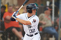 Lakeland Flying Tigers right fielder Ben Verlander (32) bats during a game against the Brevard County Manatees on April 20, 2016 at Henley Field in Lakeland, Florida.  Lakeland defeated Brevard County 5-2.  (Mike Janes/Four Seam Images)