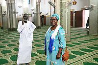NIGER, Niamey, Grosse Moschee, Fatouma Marie-Therése Djibo
