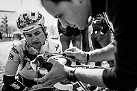 mechanic Glen Leven & Kiel Reynen (USA/Trek-Segafredo)<br />