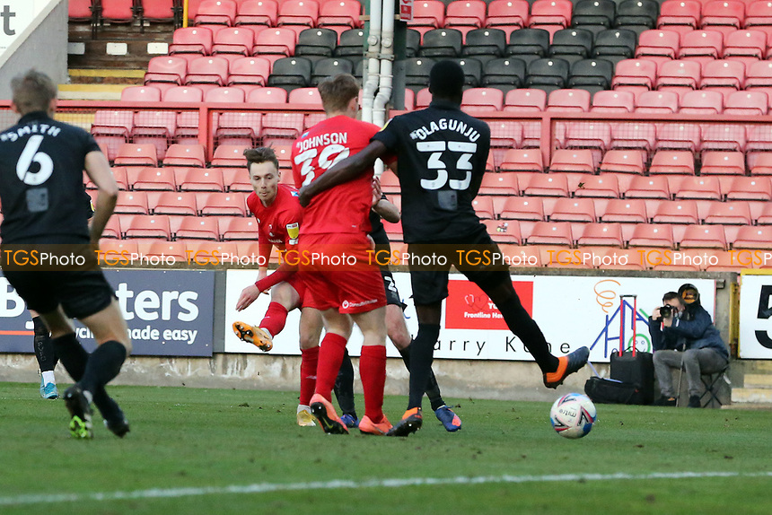 O's Dan Kemp equalises to make it 1.1 during Leyton Orient vs Port Vale, Sky Bet EFL League 2 Football at The Breyer Group Stadium on 20th February 2021