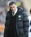 08/11/2009  Copyright  Pic : James Stewart.sct_jspa32_falkirk_v_celtic  . :: TONY MOWBRAY DURING THE FALKIRK GAME :: .James Stewart Photography 19 Carronlea Drive, Falkirk. FK2 8DN      Vat Reg No. 607 6932 25.Telephone      : +44 (0)1324 570291 .Mobile              : +44 (0)7721 416997.E-mail  :  jim@jspa.co.uk.If you require further information then contact Jim Stewart on any of the numbers above.........