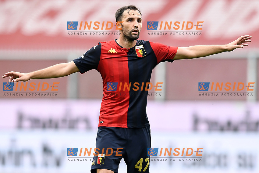 Milan Badelj <br /> Serie A football match between Genoa CFC and FC Crotone at Marassi Stadium in Genova (Italy), September 20th, 2020. Photo Image Sport / Insidefoto