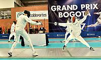 BOGOTA – COLOMBIA – 26 – 05 – 2017: Gustavo Coqueco (Izq.) de Colombia, combate con Michael Geraghty (Der.) de Irlanda, durante Varones Mayores Epee del Gran Prix de Espada Bogota 2017, que se realiza en el Centro de Alto Rendimiento en Altura, del 26 al 28 de mayo del presente año en la ciudad de Bogota.  / Gustavo Coqueco (L) from Colombia, fights with Michael Geraghty (R) from Ireland,during Senior Men´s Epee of the Grand Prix of Espada Bogota 2017, that takes place in the Center of High Performance in Height, from the 26 to the 28 of May of the present year in The city of Bogota.  / Photo: VizzorImage / Luis Ramirez / Staff.