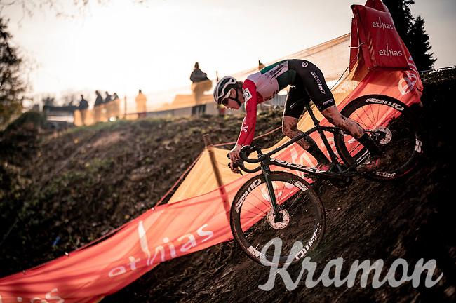 Kata Blanka Vas (HUN) diving into the abyss<br /> <br /> Jaarmarktcross Niel (BEL) 2020<br /> Women's Race<br />  <br /> ©kramon