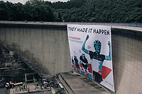 former Luxemburger TdF champions honored by a HUGE banner (the size of a water dam) along the way<br /> <br /> 104th Tour de France 2017<br /> Stage 3 - Verviers › Longwy (202km)