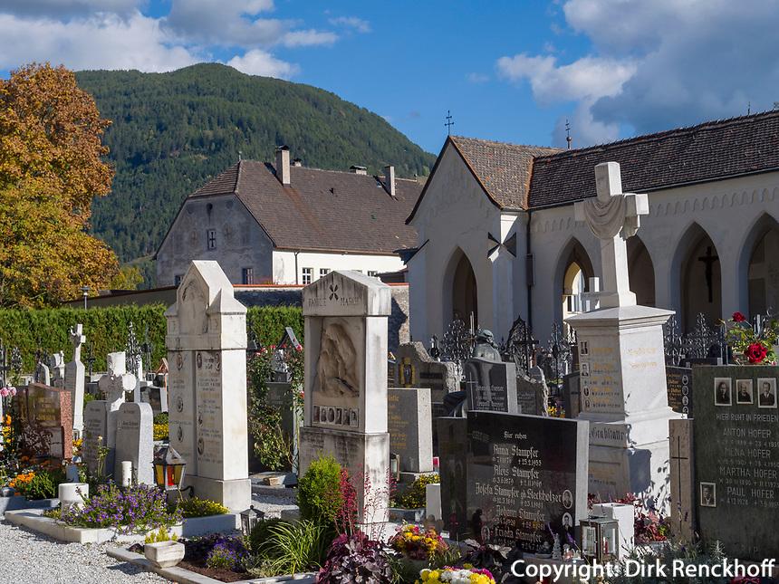 Friedhof in Sterzing, Region Südtirol-Bozen, Italien, Europa<br /> Cemetery  in Sterzing, Region South Tyrol-Bolzano, Italy, Europe