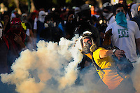 Venezuela: Caracas,02/03/14 <br /> students  protestes clash with the National Guard in Altamira, Caracas, during another day of protest against President Nicolas Maduro.<br /> Manaure Quintero/Archivolatino