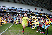 Photo: Richard Lane/Richard Lane Photography. Wasps v Leicester Tigers. Aviva Premiership. 08/01/2017. Tigers' Tom Youngs leads the team out.