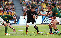 25th September 2021; Townsville, Gold Coast, Australia;  Ardie Savea breaks between tackles. All Blacks versus Springboks. The Rugby Championship. 100th Rugby Union test match between New Zealand and South Africa. A
