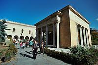GORI / GEORGIA .CASA NATALE DI STALIN  NEI PRESSI  DEL MUSEO COSTRUITO DOPO LA MORTE DELLO STATISTA GEORGIANO (5 MARZO 1953) PER RICORDARE GLI ANNI DEL SUO POTERE E DELLA VITTORIA SUL NAZISMO..MALGRADO IL CONTRADDITORIO PROFILO STORICO DELLO STATISTA GEORGIANO, STALIN IN PATRIA E' TUTTORA MOLTO AMATO E MIGLIAIA DI STUDENTI E TURISTI VISITANO IL MUSEO..FOTO LIVIO SENIGALLIESI.