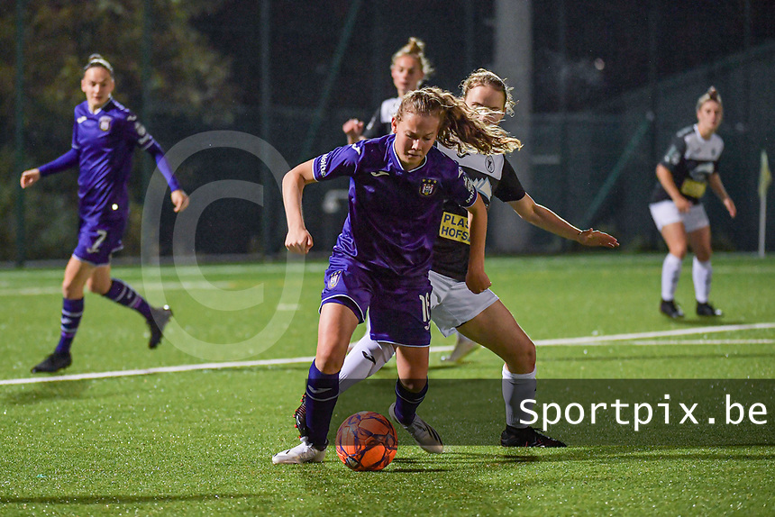 Anderlecht forward Jarne Teulings (16) pictured during a female soccer game between RSC Anderlecht Dames and Eendracht Aalst Ladies  on the fourth matchday of the 2020 - 2021 season of Belgian Womens Super League , Tuesday 13 th of October 2020  in ANDERLECHT , Belgium . PHOTO SPORTPIX.BE | SPP | STIJN AUDOOREN