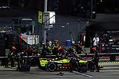 #18: Santino Ferrucci, Dale Coyne Racing with Vasser Sullivan Honda pit stop