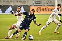 KANSAS CITY, KS - OCTOBER 24: Johnny Russell #7 of Sporting Kansas City on the move during a game between Colorado Rapids and Sporting Kansas City at Children's Mercy Park on October 24, 2020 in Kansas City, Kansas.
