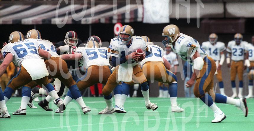 John Hufnagel Winnipeg Blue Bombers 1986. Photo F. Scott Grant