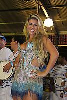 SAO PAULO, SP, 09 DE DEZEMBRO DE 2011, Andrea de Andrade, Rainha de bateria da Império de Casa Verde, no LANÇAMENTO DO CD DA LIGA DAS ESCOLAS DE SAMBA 2012 na quadra da Escola de Samba Rosas de Ouro, zona norte de SP.  (FOTO: MILENE CARDOSO / NEWS FREE)
